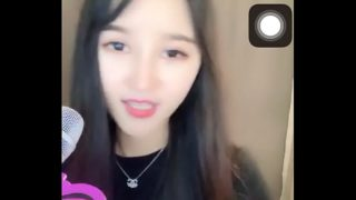 Hot girl Trung Quốc 2k livestream Uplive lộ hàng to
